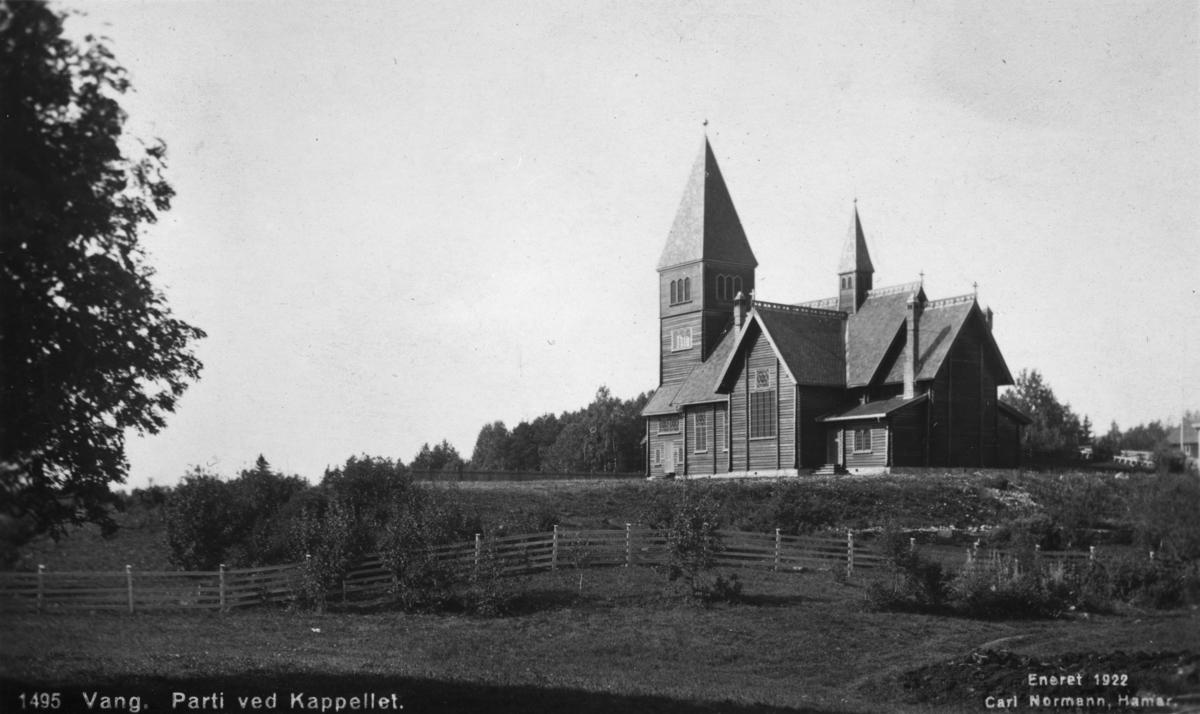 """Øvre Vang Kapell. Postkort. """"1495. Vang parti ved kapellet"""""""