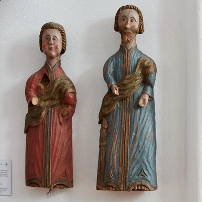 To evangelister. I utstillingen Norsk Kirkekunst