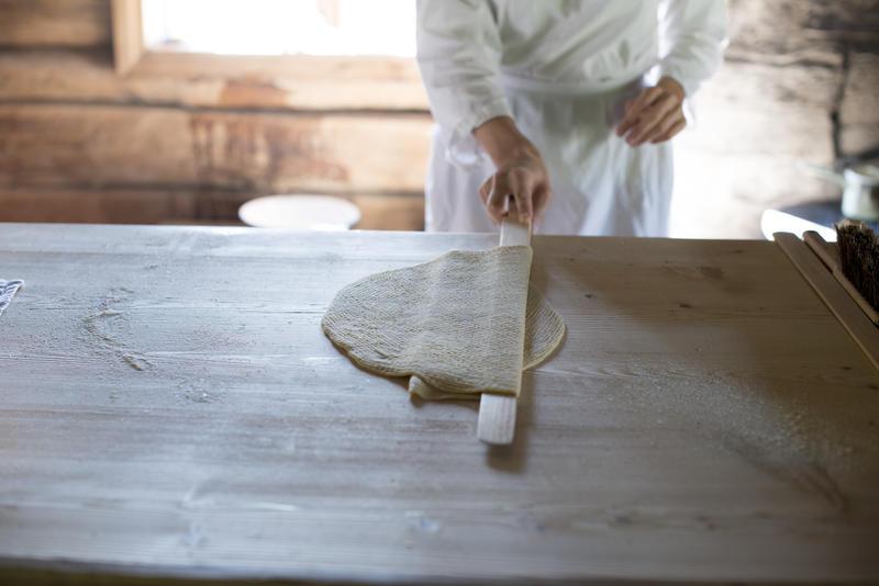 Nærbilde av ferdig kjevlet lefsedeig (Foto/Photo)