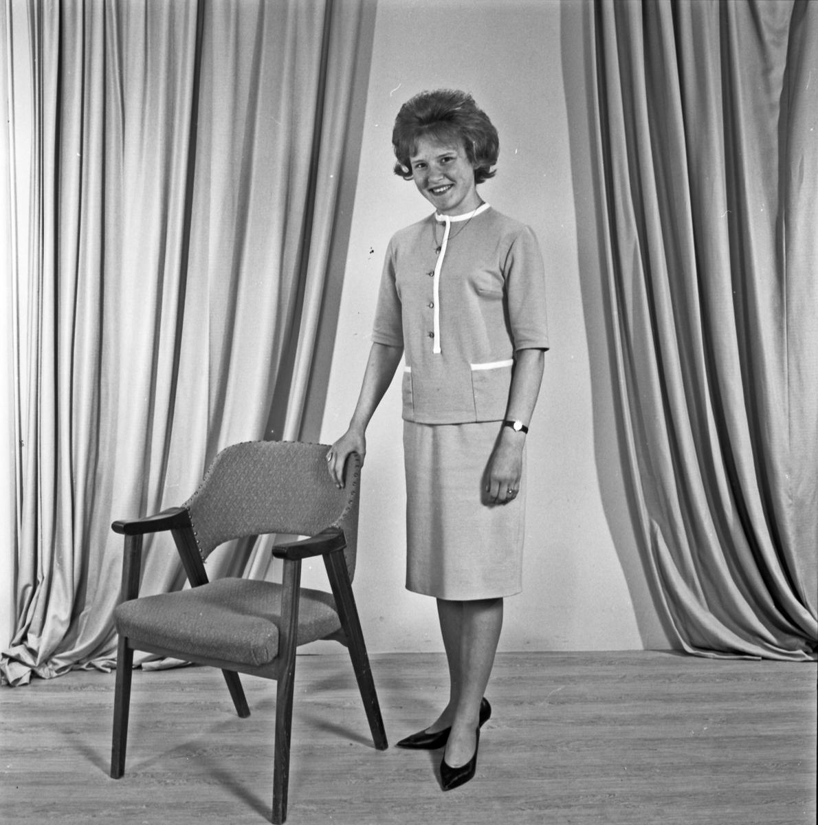 Portrett ung kvinne - bestiller Karin Tveitaskog