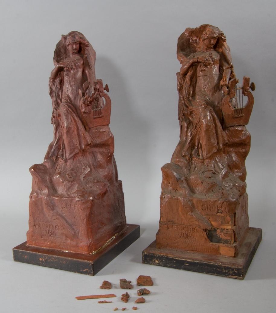 Kvinna, Sappho, stående med lyra.