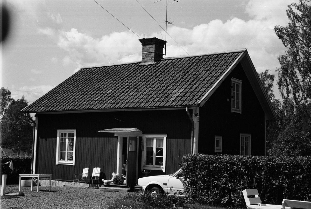 Bostadshus, Saringe 4:6, Karlslund, Tuna socken, Uppland 1987