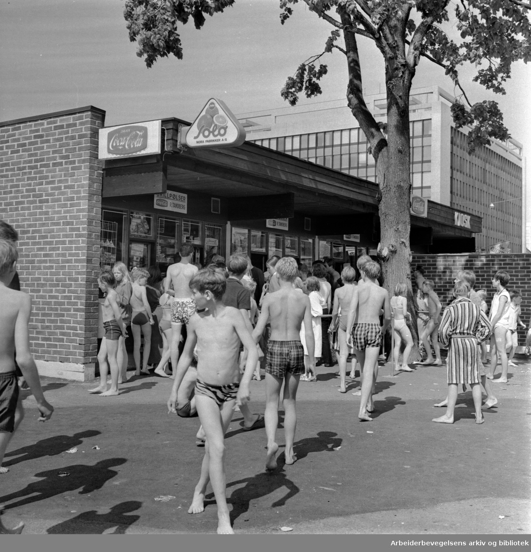 Frognerbadet. Juni 1968