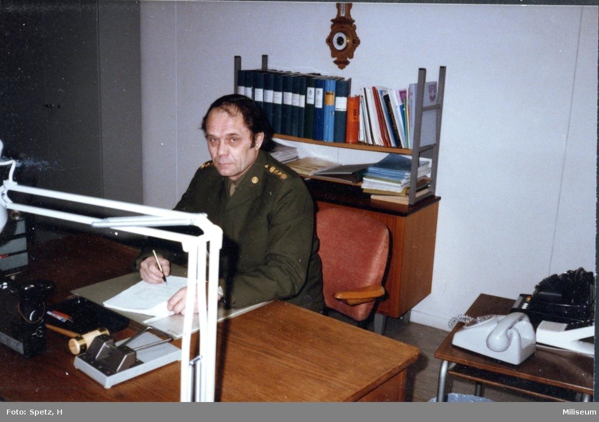 Enström, Bertil. Överstelöjtnant. Verkstadschef, MVJ. A 6.