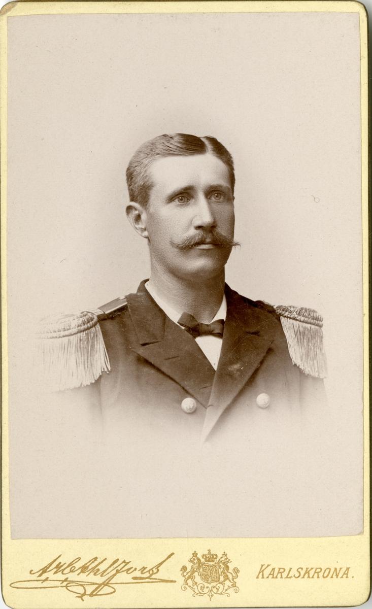 Porträtt av Carl Gustaf Norselius, kapten vid Flottan.