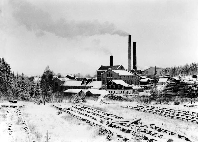Klevfos cellulose & papirfabrik sett fra sør, før nedleggelsen.