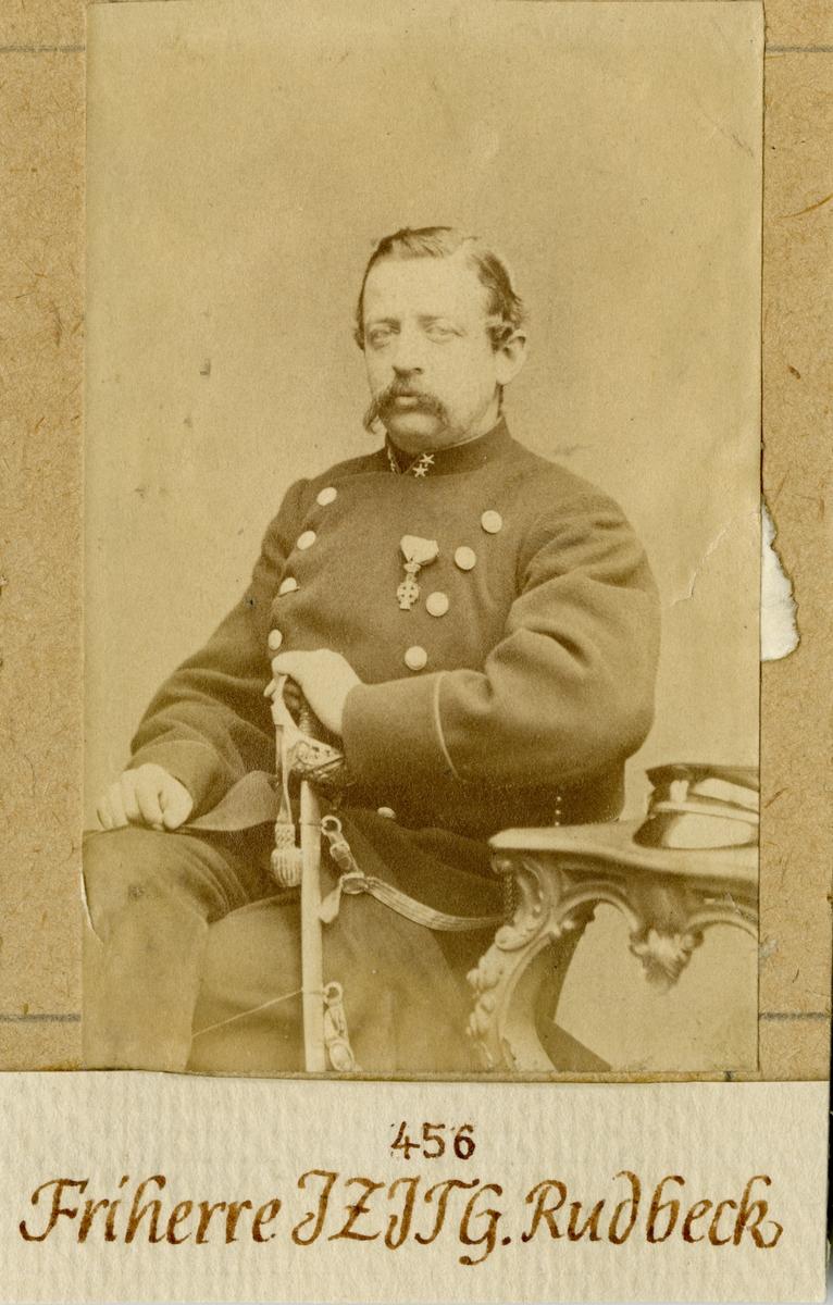 Porträtt av Johan Zacharias Josua Ture Gustaf Rudbeck, major vid Andra livgardet I 2. Se även bild AMA.0008361.