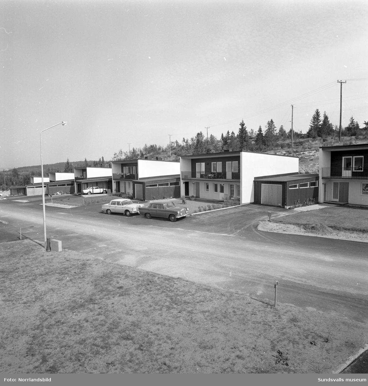 Radhusbebyggelse på Forellvägen 3-13 i Mjösund, Njurunda.
