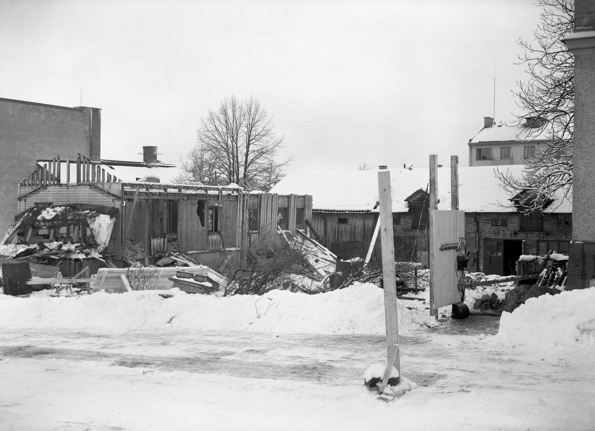Skånska Cementgjuteriet river och bygger nytt åt Motoraktiebolaget Volvo i Herrgårdsgatsbacken 1944-45.