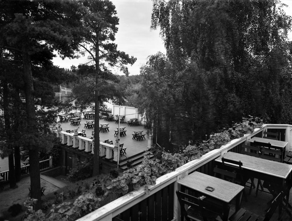 Nickebo, populär dansrestaurang fram till början av 1950-talet på en bild tagen i början på 30-talet. Efter att rörelsen avvecklats användes huset i om- och nybyggt skick av Wards möbler m fl och i år (2014) rivs hela klabbet inför nybyggnation.