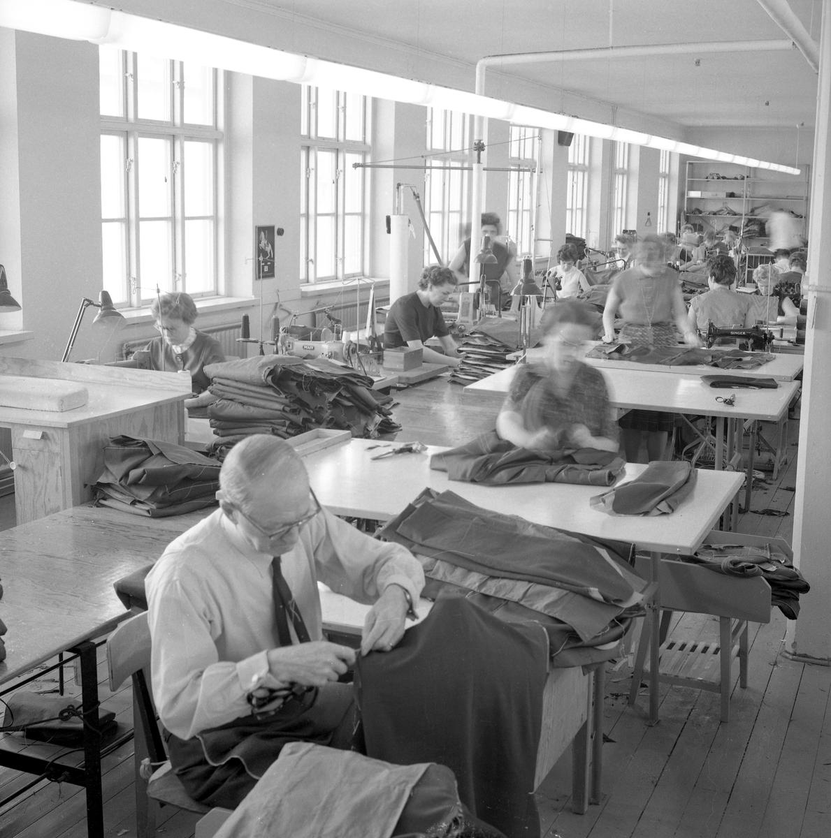 Bildsvit från textilföretaget AB Bergson o Söner daterad 620301. Fabriken låg i hörnet av Herrhagsgatan -Värmlandsgatan.