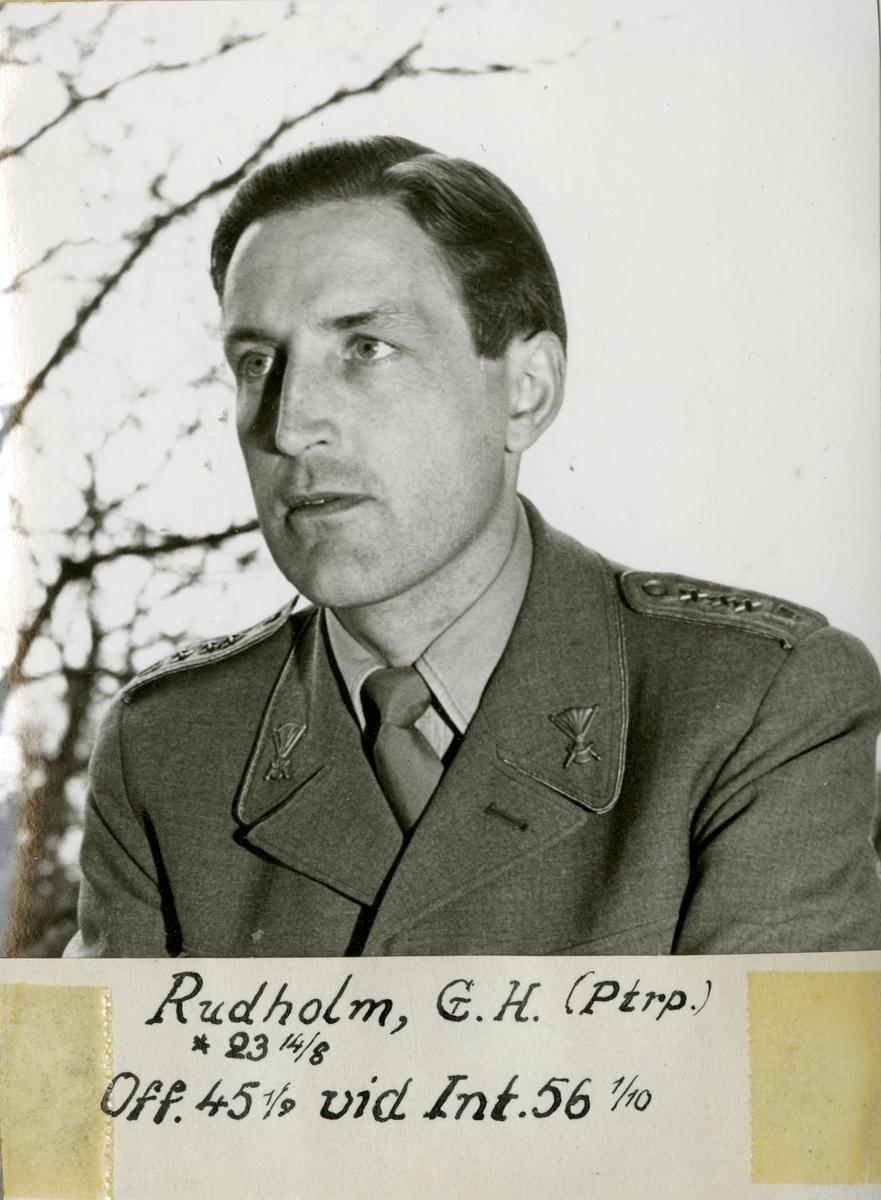 Porträtt av Gösta Henning Rudholm, löjtnant vid Pansartrupperna.