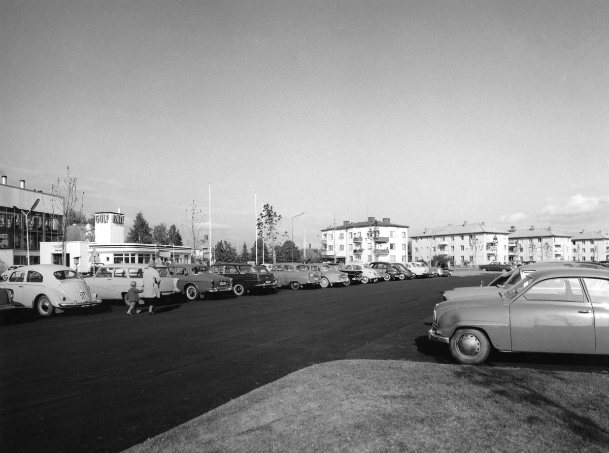 Serie med Karlstadbilder tagna under första halvan av 1960-talet. Sundsta