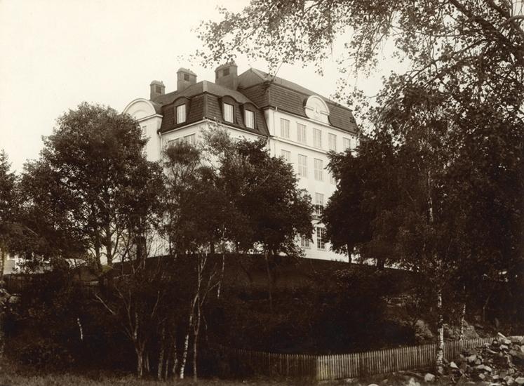 Foto av det nybyggda Folkskollärarseminariet (nuv. Ringsbergsskolan ... 7df4571bf9bc4