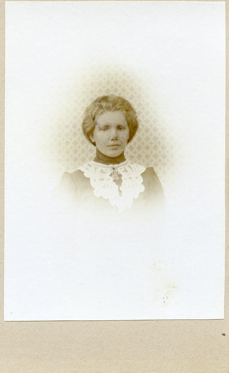 Emma Olsen.