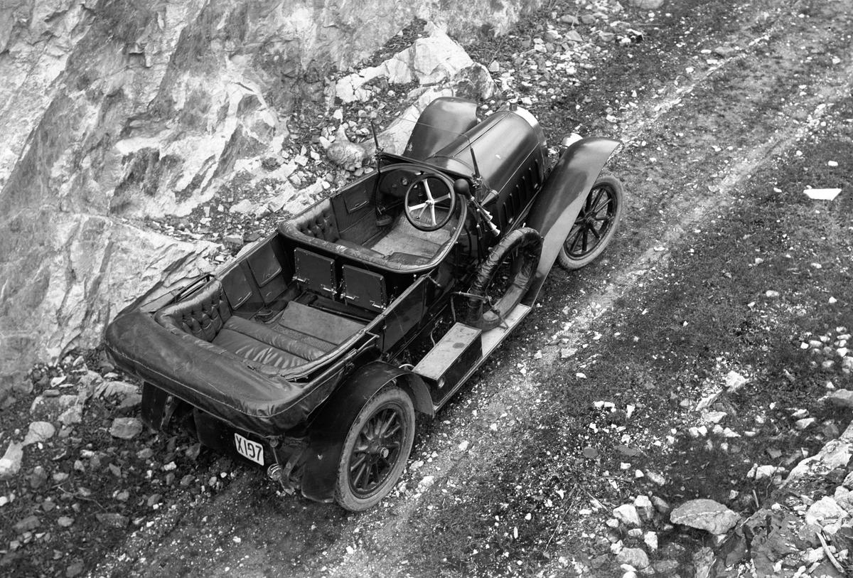 """Walls Kalkbrott. Josef Erikssons bil """"Windhoff"""", tillverkad 1908-1914. Köpt den 12 maj 1920 och såld den 31 maj 1921."""