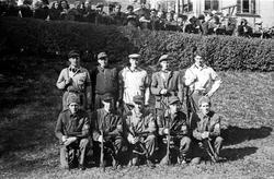Soldater oppstilt i Birkelunden etter frigjøringen.
