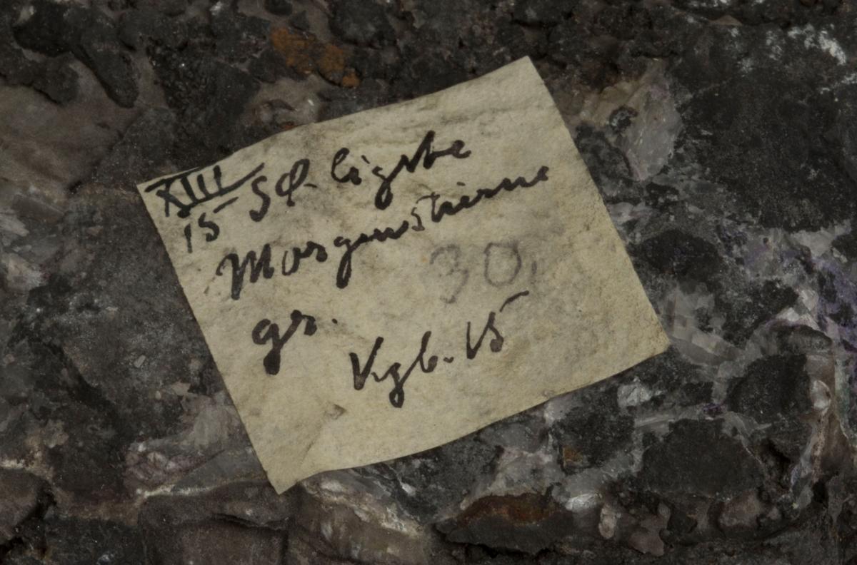 Etikett på prøve: XIII 15 SØ.ligste Morgenstierne gr. Kgb. 15 (Finner antagelig Carl Bugge)