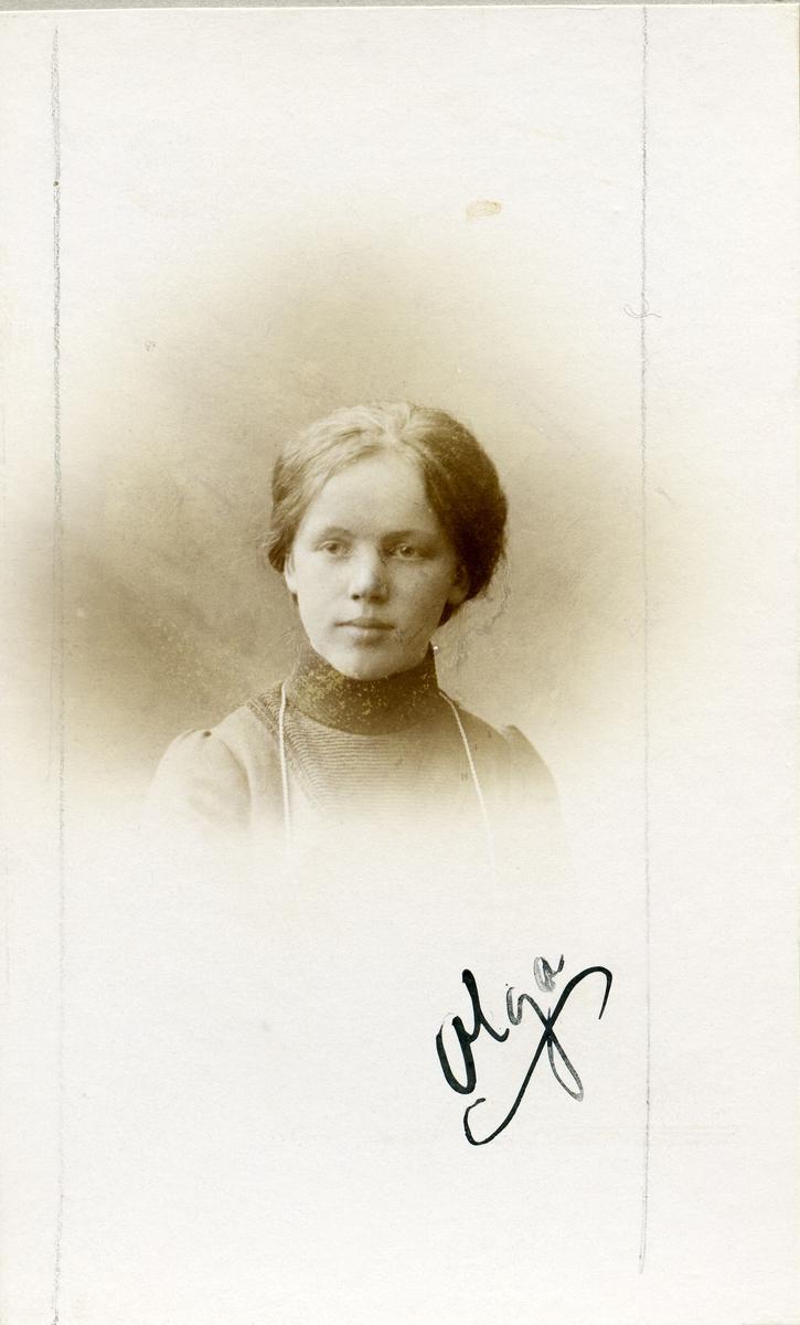 Olga Olsen.