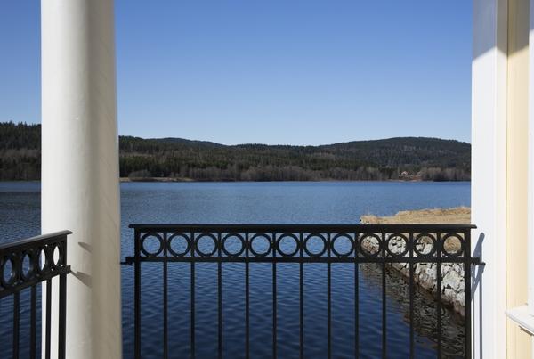 <p>Bogstad ligger vakkert til i Sørkedalen, ca en mil fra Oslo sentrum.</p>