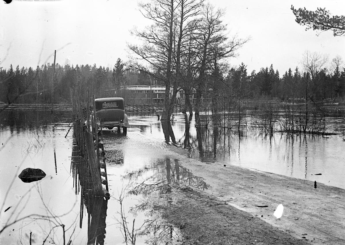 Översvämning. Eventuellt året 1936 eller 1937