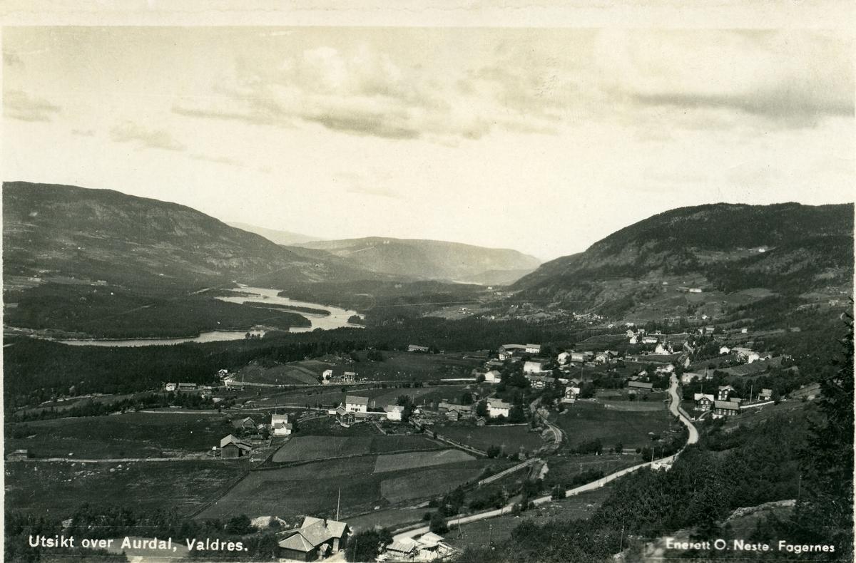 Postkort med utsikt over Aurdal, Valdres.