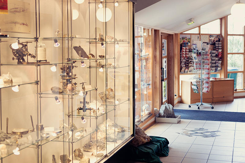 Museet har ei samling med mineraler som er utstilt på Informasjonssenteret (Foto/Photo)