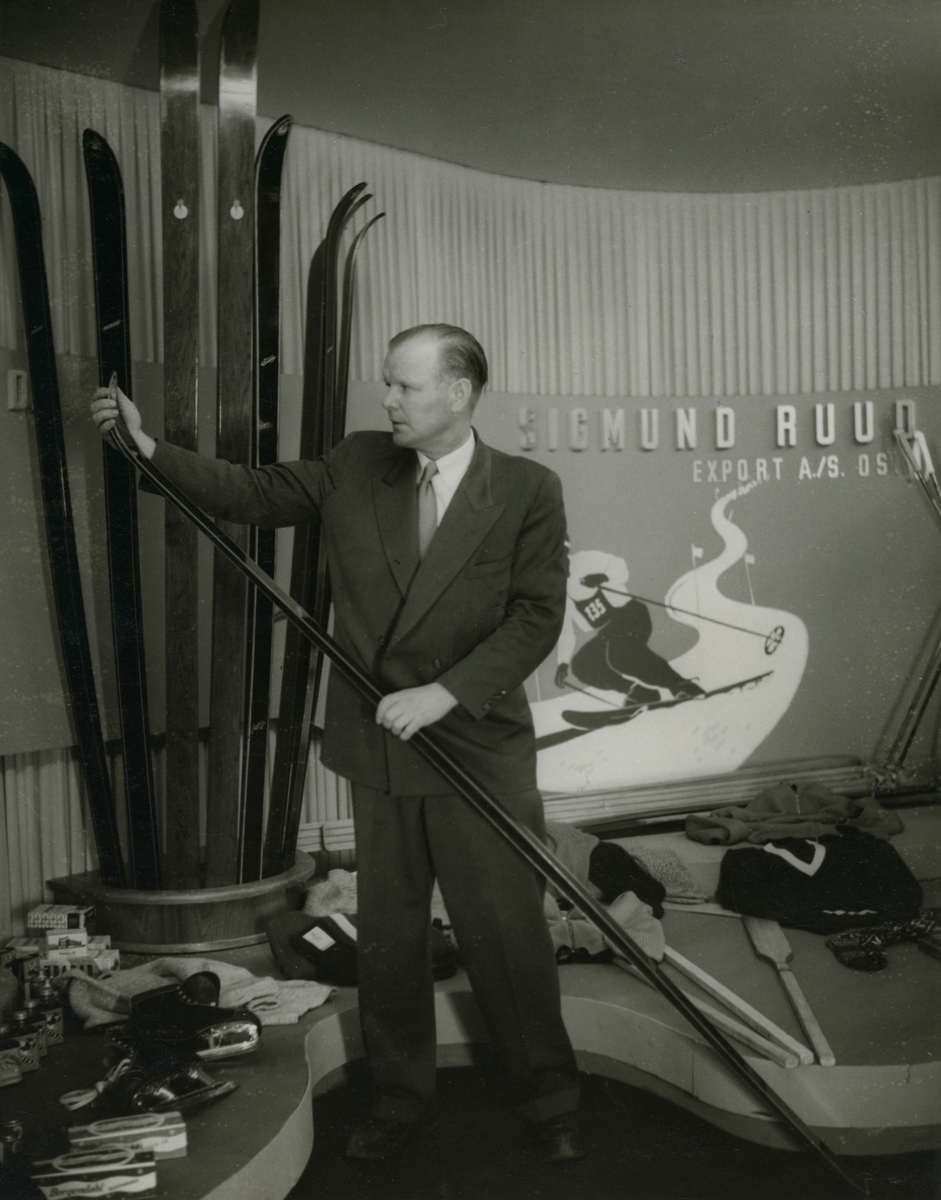 Sigmund Ruud promoting sports equipment