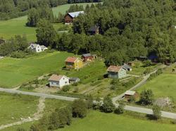 Kulturlandskap. Midttun. Klynge med flere småhus med hager