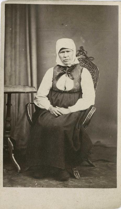 Kristi Kolbjørnsdatter Ringneseie, Krødsherad, arrestert i 1870, innsatt i distriktsfengslet i Hokksund for å ha 3 barn utenfor ekteskap.