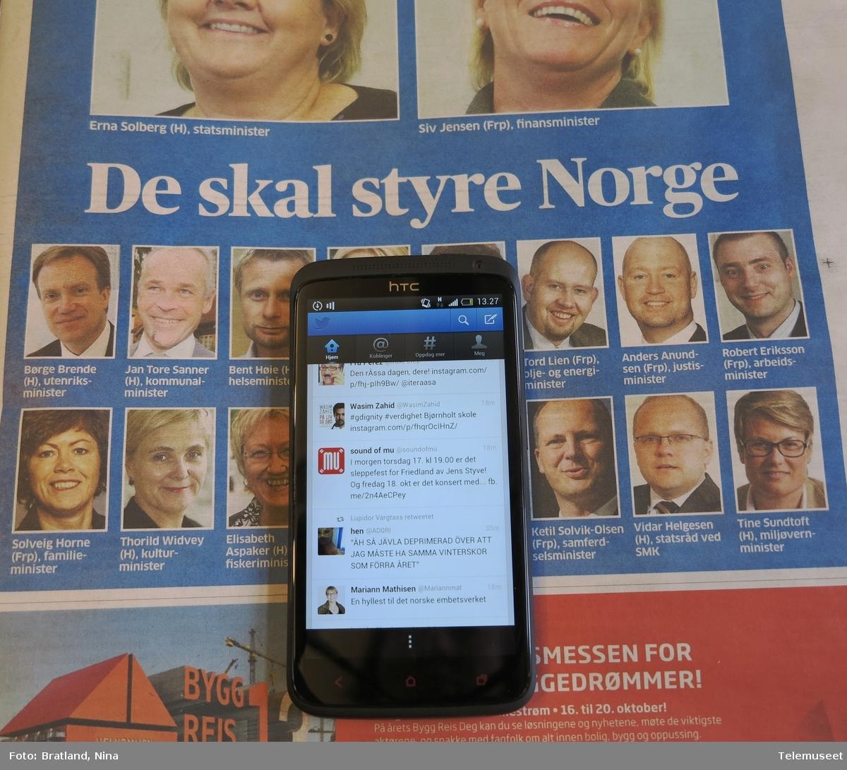 Smarttelefon HTC, Twitter og nye myndigheter