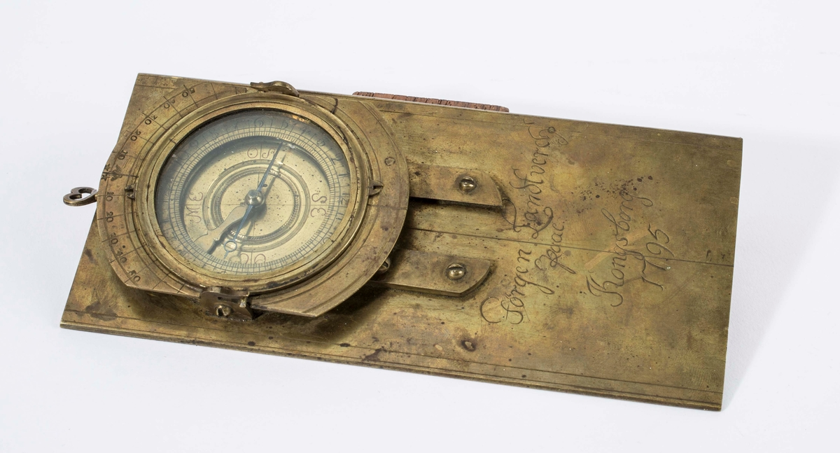 """""""Laget i Kongsberg i 1795 av Jørgen Landsverk."""" NTM: """"Fra Sølvverkets gamle samling,"""