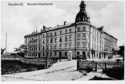 """Det s k """"Stockholmshuset"""" efter Södra Järnvägsgatan 9. Text"""