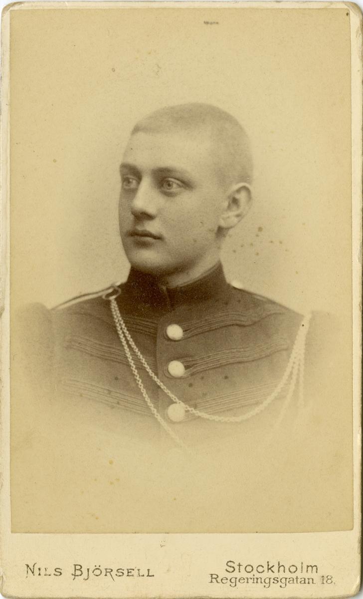 Porträtt av Sven Anders Samuel Klingenstierna vid Värmlands fältjägarkår.  Se även bild AMA.0007773.