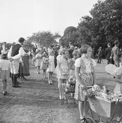 Skansen Barnens dag 1938. Bild förmodligen processionen. Fli