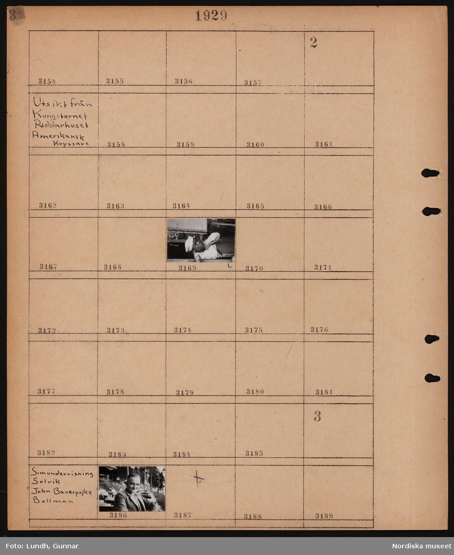 Motiv: Utsikt från Kungstornet, Riddarhuset, Amerikansk kryssare; Matros.  Motiv: Simundervisning, Solvik, John Bauerpojke, Bollman; Man sitter på bänk.