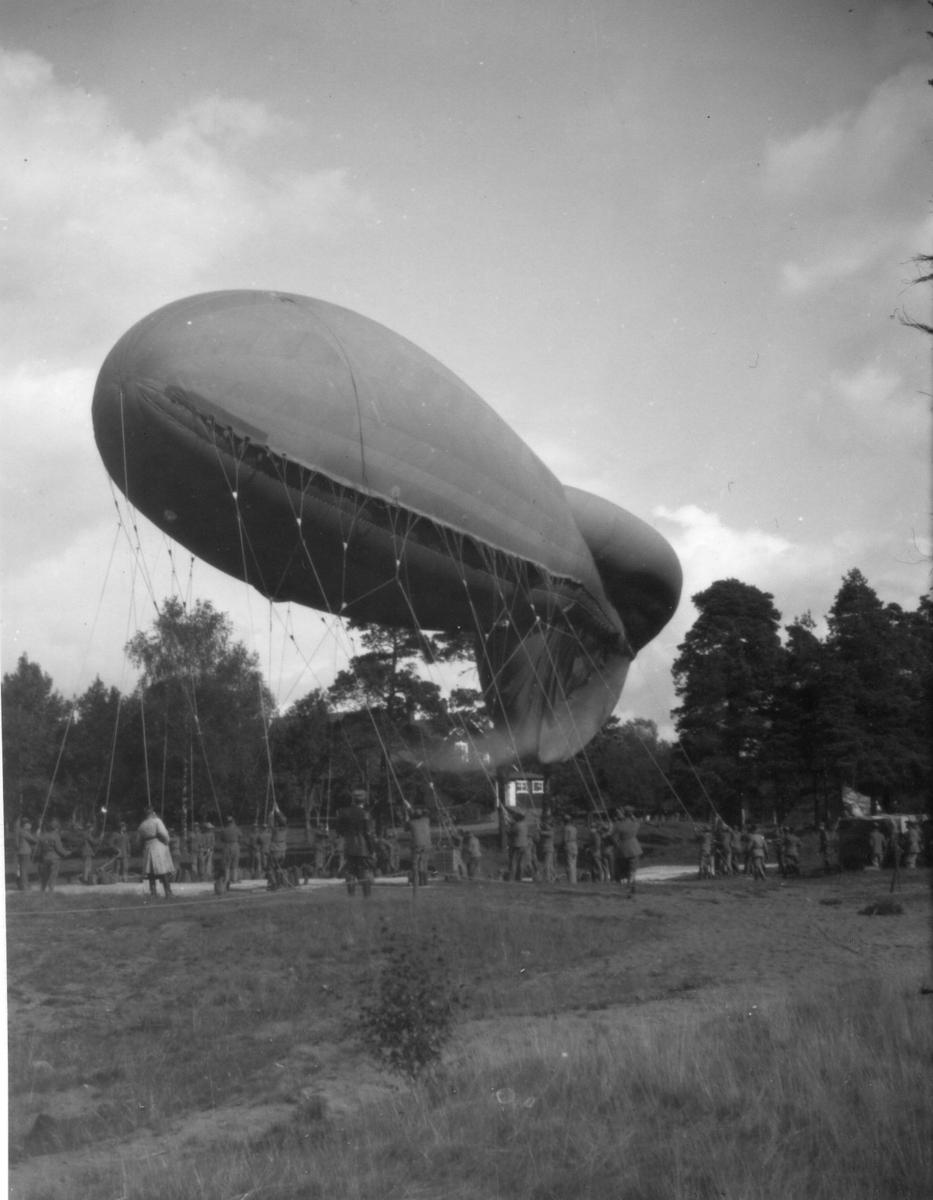 Fältballong m/1932 under övningar i Skillingaryd.