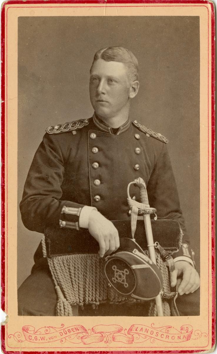 Porträtt av Johan Gustaf Fabian Wrangel, underlöjtnant vid Kronobergs regemente I 11.