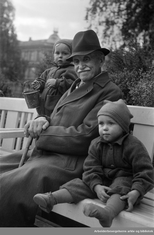 Birkelunden. Barn og gamle. 1947