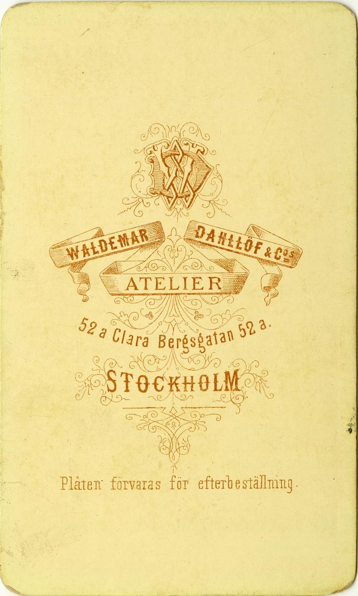 Porträtt av Sten Victor Blomberg, officer vid Göta livgarde I 2. Se även bild AMA.0006839 och AMA.0006947.