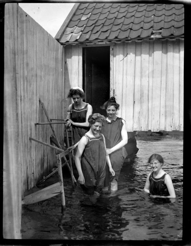 Kvinner bader