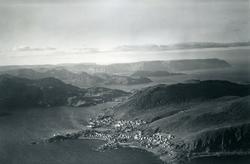 Flyfoto. Honningsvåg. 22.08.1953.