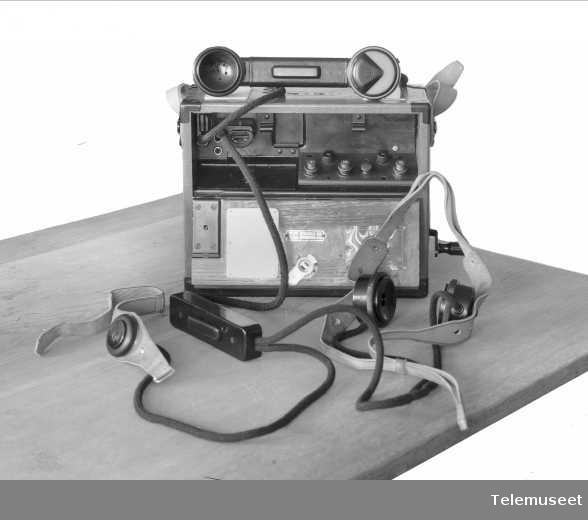 Felttelefon med laryngafonutstyr, modell 1933, Tyrkia, Elektrisk Bureau.