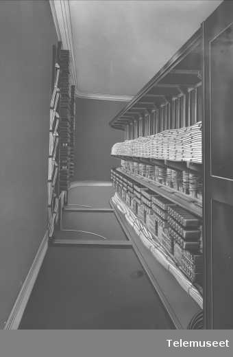 Telefonsentral, interiør, Stavanger. Des 1916. Elektrisk Bureau.