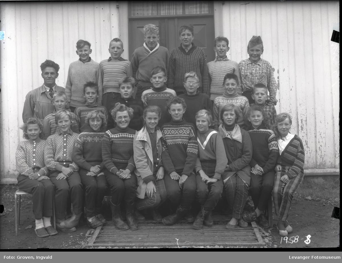 Skolebilde fra folkeskole, Sjøbygda skole.