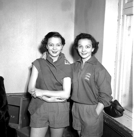 Skara. Bordtennis, engelska damer 27/11 1952.