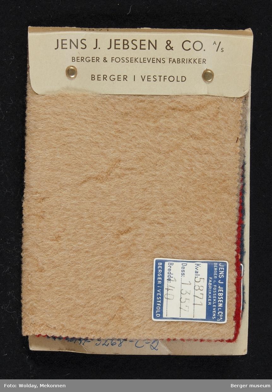 Prøvehefte med 4 prøver Kåpe, bekledning Kvalitet 5870-71 Stykkfarget