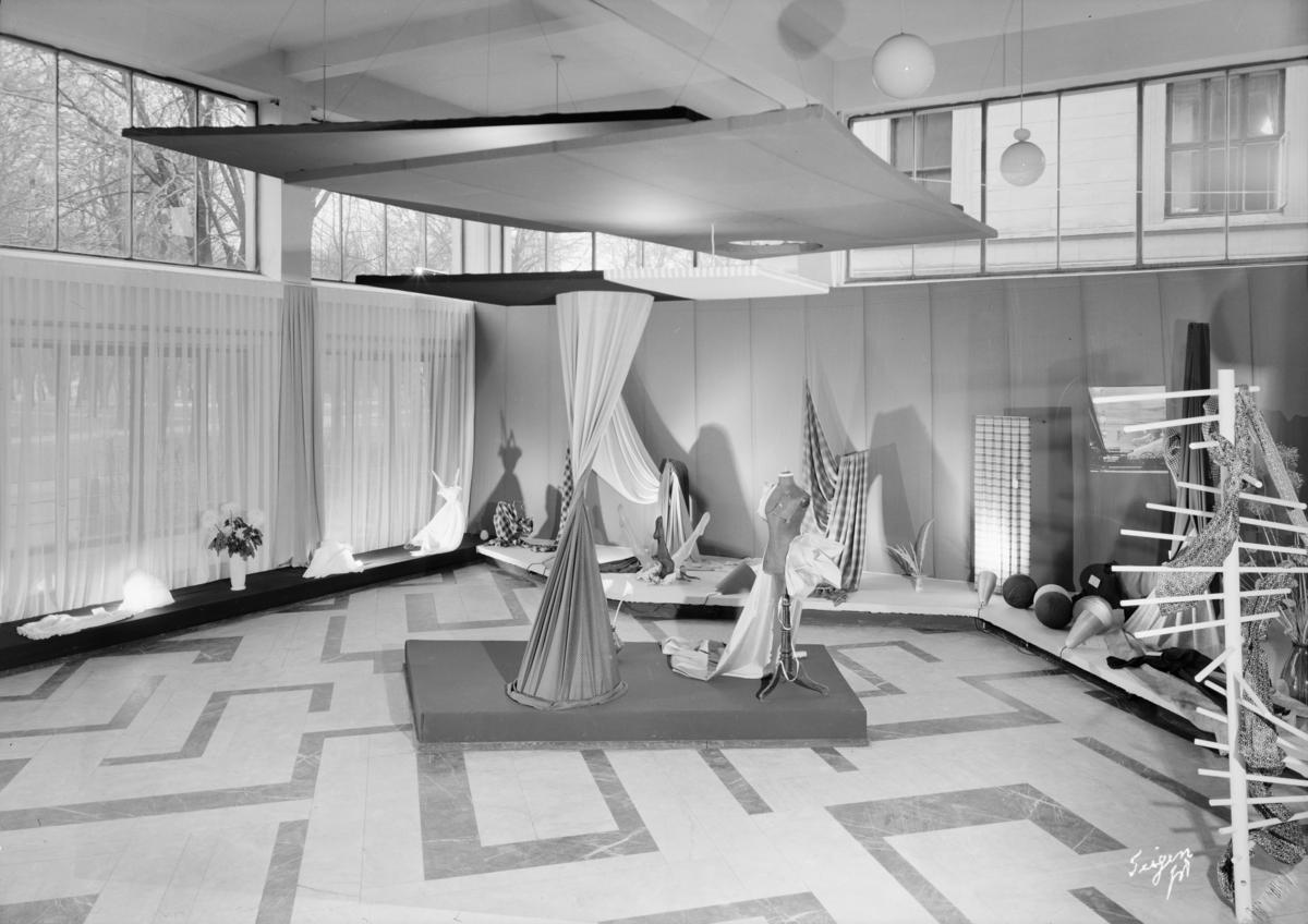 Brukskunst, Oslof..Tekstilutstill 1952.