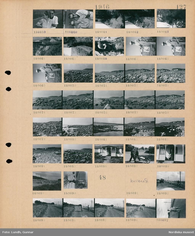 Motiv: (ingen anteckning) ; Porträtt av en kvinna och en man, ett grävt dike med ett avloppsrör, en man hugger bort sten i ett dike, en man med ett staffli och en tavla, landskapsvy med strand och hav, exteriör av hus, två män med en skottkärra, landskapsvy med en åker med höhässjor, två barn på en väg.  Motiv: (ingen anteckning) ; Cyklister på en väg, två barn går på en väg.