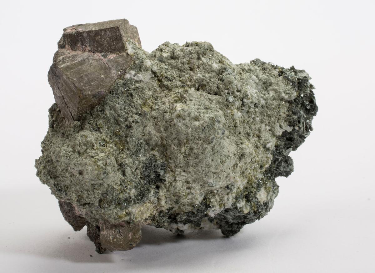 Koboltitt, tvilling på matriks.